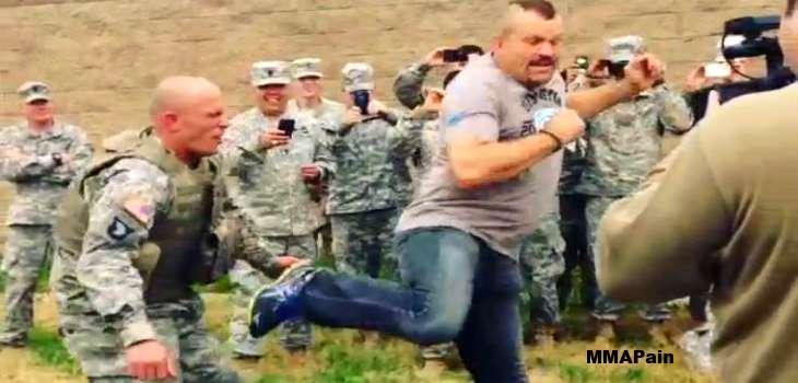 Chuck Liddell kicks Soldier