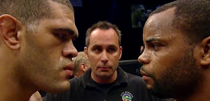 Daniel Cormier vs Bigfoot Silva fight video